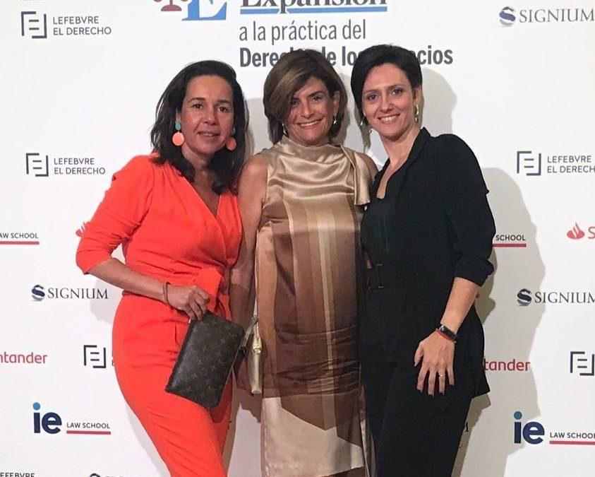 Las socias de SUE Abogados y Economistas asisten a la gala de los III Premios Expansión Jurídico